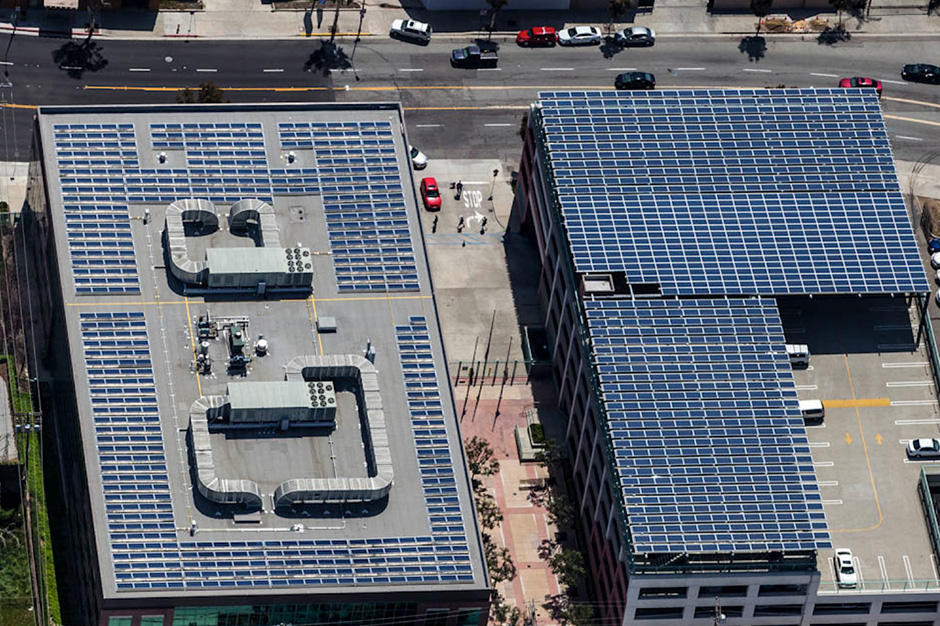 Glendale CA; Rooftop solar panel installation on top floor of parking garage & Rooftop solar system u0026 parking canopy for a parking garage ...