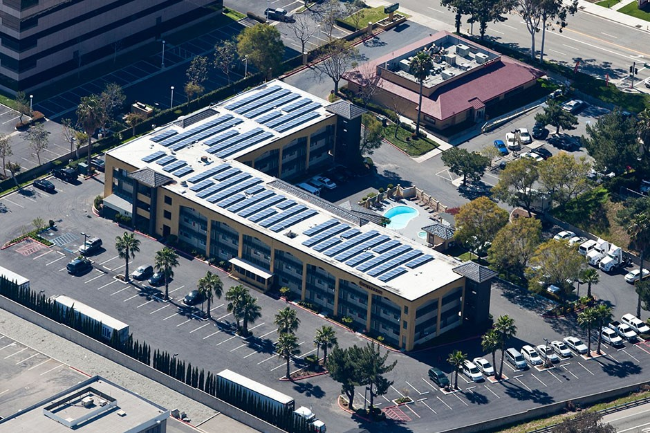 Rooftop solar panels for Quality Inn Ontario